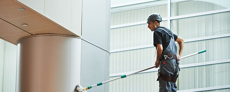 commercial building cleaning company